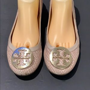 Authentic Tory Burch signature leather flats sz 9